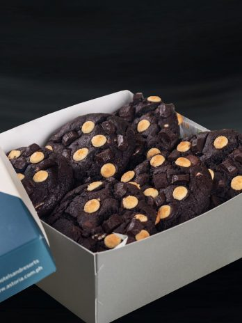 Double Choco Chip Cookies – 6 pcs
