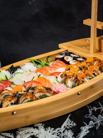 SMALL SUSHI BOAT